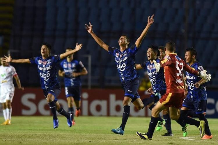 La Fifa puso fecha límite al futbol guatemalteco. (Foto Prensa Libre: Hemeroteca PL)