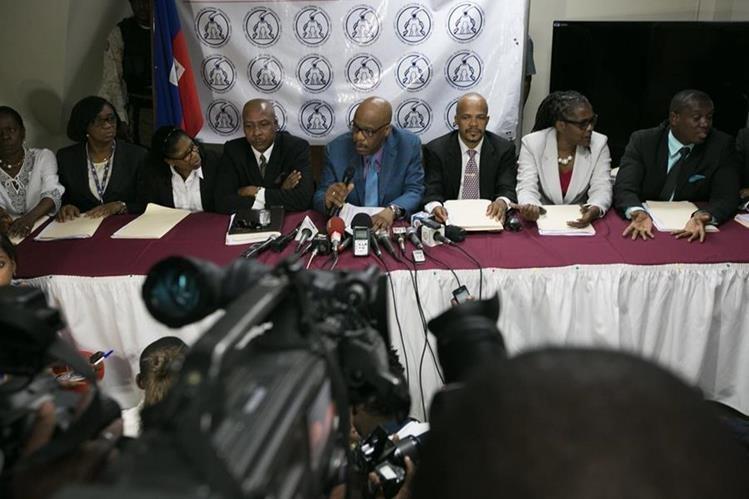 Integrantes del Consejo Electoral Provisonal durante una conferencia de prensa. (Foto Prensa Libre: EFE).