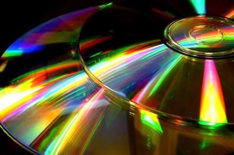 El disco compacto en la música sustituyó a los discos de vinilo que hasta entonces dominaban el mercado. (GETTY IMAGES)