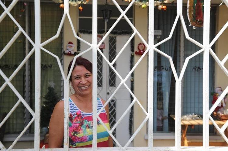 Roxana Payeras fue compañera de juegos durante su niñez y juventud de Ricardo Arjona, en colonia Atlántida, zona 18. (Foto Prensa Libre, Brenda Martínez).