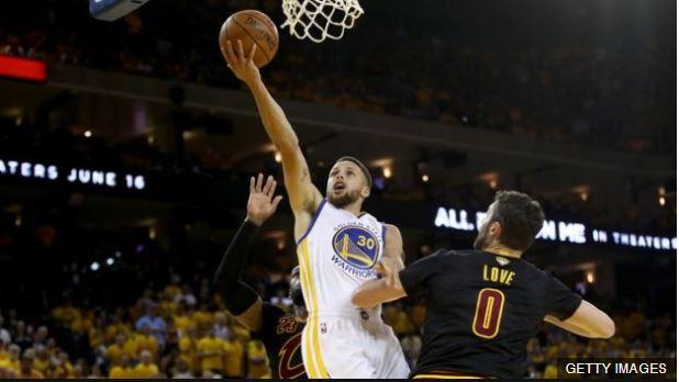 Curry sigue siendo la imagen de los Warriors.