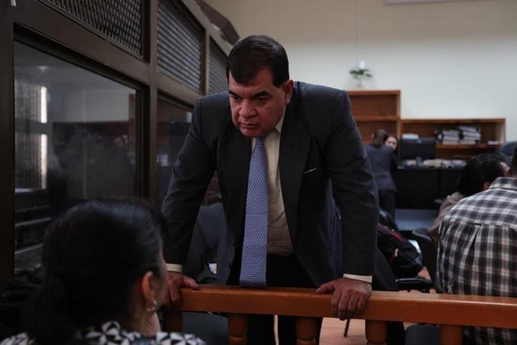 El exfiscal Rony López comparece a audiencia en el caso Manipulación de Justicia, que fue suspendido para este miércoles. (Foto Prensa Libre: Carlos Hernández)