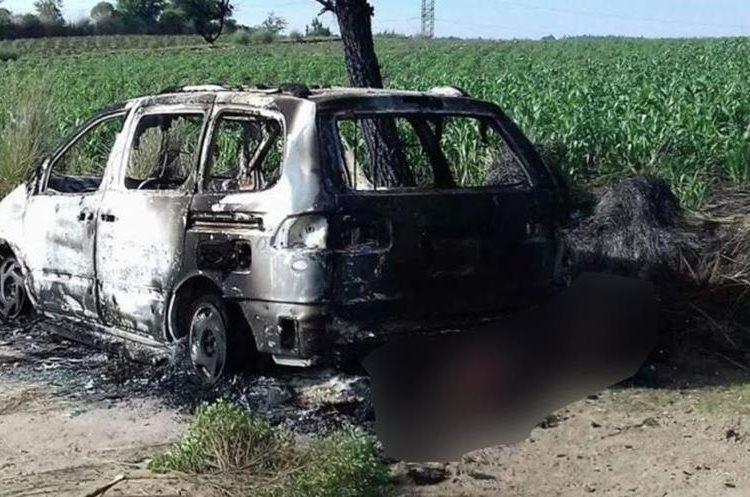 Según pobladores, los dos hombres pretendían asaltar en una comunidad cercana. (Foto Prensa Libre: María José Longo)