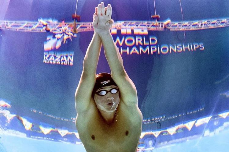Ryan Lochte durante la final de los 200 metros estilo en el mundial de Kazan. (Foto Prensa Libre: AFP)