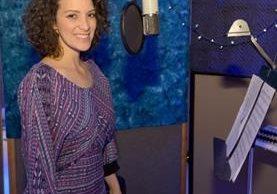 Gaby Moreno grabó el tema musical de la serie de Disney. Ahora presta su voz al personaje de Marlena. (Foto Prensa Libre: Disney Channel)