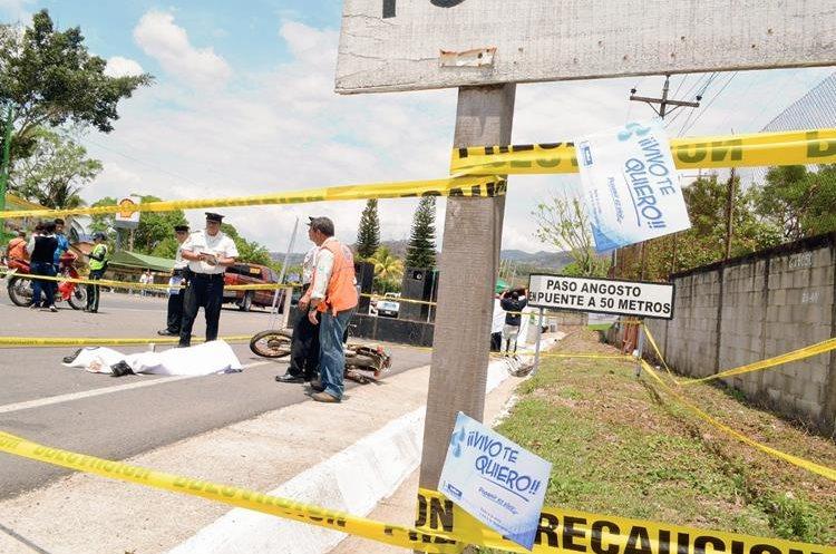 Las autoridades  buscan disminuir los hechos de tránsito en Semana Santa. En la foto se observa un operativo en Santa Rosa. (Foto Prensa Libre: Oswaldo Cardona)