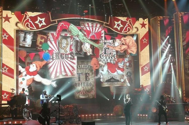 Figuras del circo destacan en el escenario.Foto Prensa Libre: Keneth Cruz.