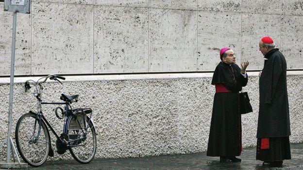 Los sectores más conservadores están inquietos ante los lineamientos más abiertos que presenta el papa Francisco. AFP / GETTY IMAGES