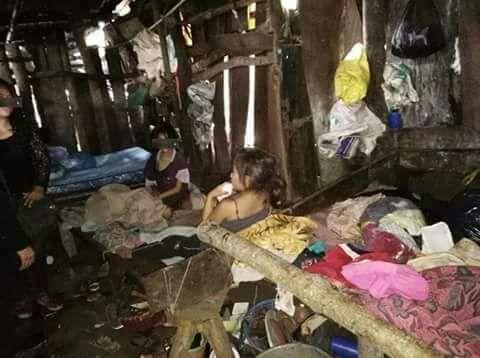 A los menores los mantenían encerrados todo el tiempo en su vivienda en la aldea La Montaña, Moyuta, Jutiapa. (Foto Prensa Libre: PNC)