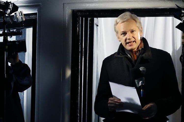 """El gobierno británico rechazó la petición de Ecuador de un """"salvoconducto especial"""" para que el creador de WikiLeaks, Julian Assange. (Foto Prensa Libre: AP)."""