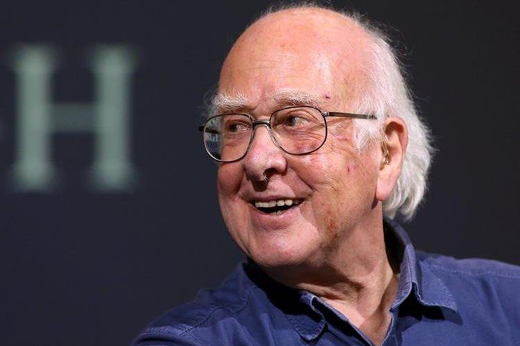 Peter Higgs, Premio Nobel de Física, es uno de los científicos que aboga por quedarse en la Unión Europea. (Foto Prensa Libre: AFP)