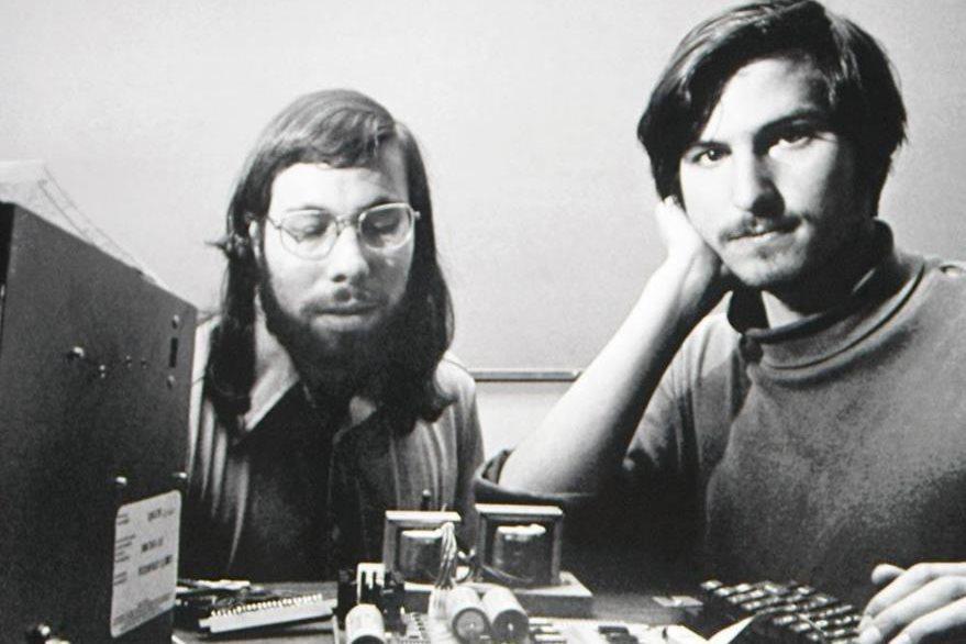 Wozniak y Jobs, en los comienzos de Apple. (Foto Prensa Libre: Hemeroteca PL)