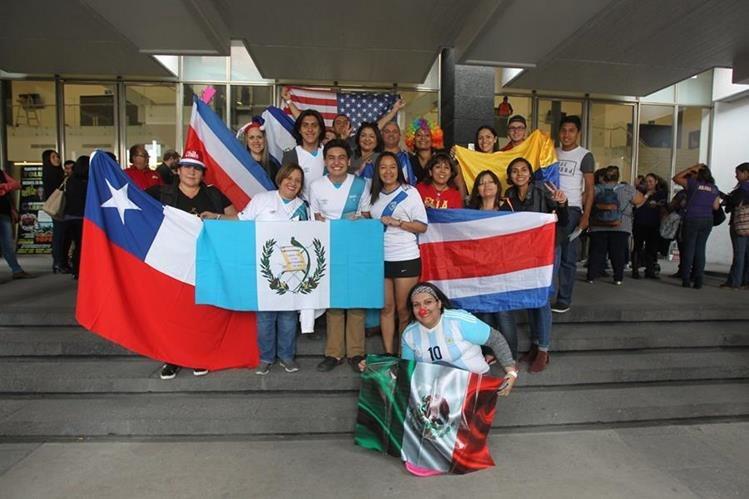 Ricardo Arjona congregó a personas de varios paises al inicio de la gira Circo Soledad, en Toluca, México (Foto Prensa Libre: Keneth Cruz).