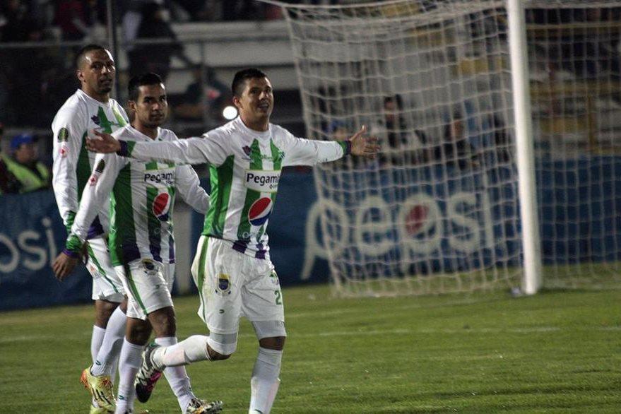 Díaz celebró sus dos primeros goles en el Clausura 2016 contra Xelajú  MC. (Foto Prensa Libre: Carlos Ventura)