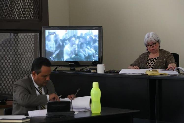 Tribunal de Mayor Riesgo A condenó a los integrantes de una pandilla de la Mara Salvatrucha por distintos crímenes. (Foto Prensa Libre: Paulo Raquec)
