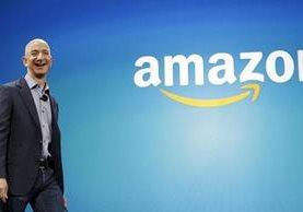 Jeff Bezos, dueño de Amazon desplazó al cofundador de Microsoft, Bill Gates, como la persona más rica del mundo. (Foto Prensa Libre: Hemeroteca)