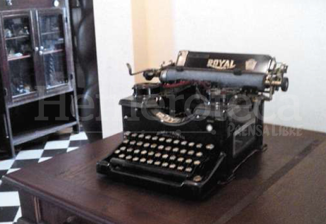 Máquina de escribir que perteneció a Flavio Herrera y que se encuentra en la Casa de Cultura que lleva su nombre. (Foto: Hemeroteca PL)