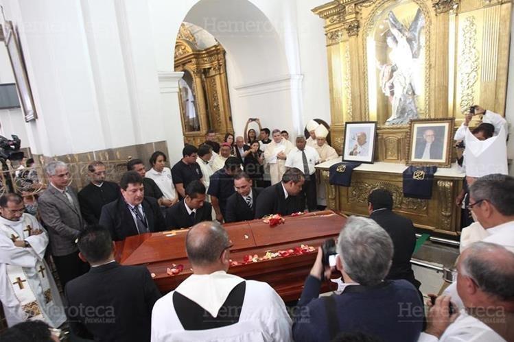 El 13 de abril de 2013 los restos de monseñor Gerardi fueron trasladados al interior de Catedral Metropolitana. (Foto: Hemeroteca PL)