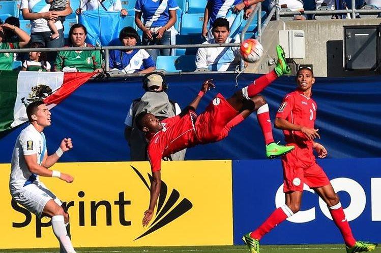 Maikel Reyes fue el verdugo de Guatemala, tras anotar el único gol del encuentro. (Foto Prensa Libre: AFP)