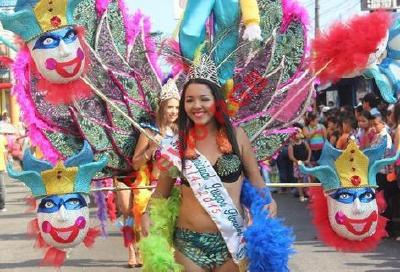 Reina de belleza engalana Carnaval de Mazatenango. (Foto Prensa Libre: Danilo López)