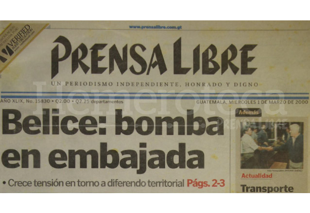 Titular de Prensa Libre del 1 de marzo de 2000. (Foto: Hemeroteca PL)