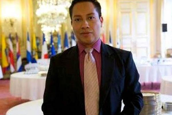 """<p>El guitarrista guatemalteco Luis Juárez Quixtán fue galardona por el senado de Francia. (Foto Prensa Libre)<br _mce_bogus=""""1""""></p>"""