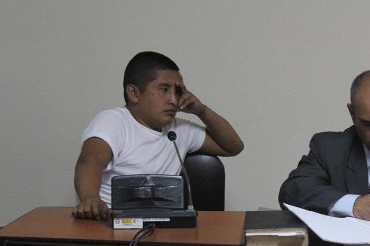 Manuel Tzoc fue hallado culpable de la muerte de José Chumil, en Sololá. (Foto Prensa Libre: Ángel Julajuj).