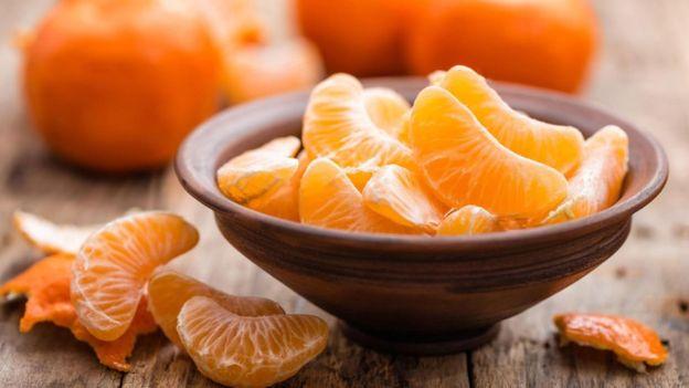 En algunos casos, la eficacia de la vitamina C para combatir el resfriado puede obedecer a que el paciente tenía una deficiencia previa de esta vitamina. (GETTY IMAGES)