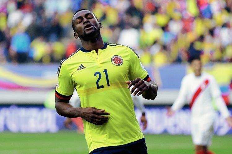 Jackson Martínez por el momento se enfoca en el partido contra Argentina en la  Copa América. (Foto Prensa Libre: AP)