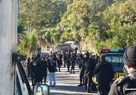 Agentes de la PNC durante operativos en San Miguel Ixtahuacán, San Marcos. (Foto Prensa Libre: Aroldo Marroquín)