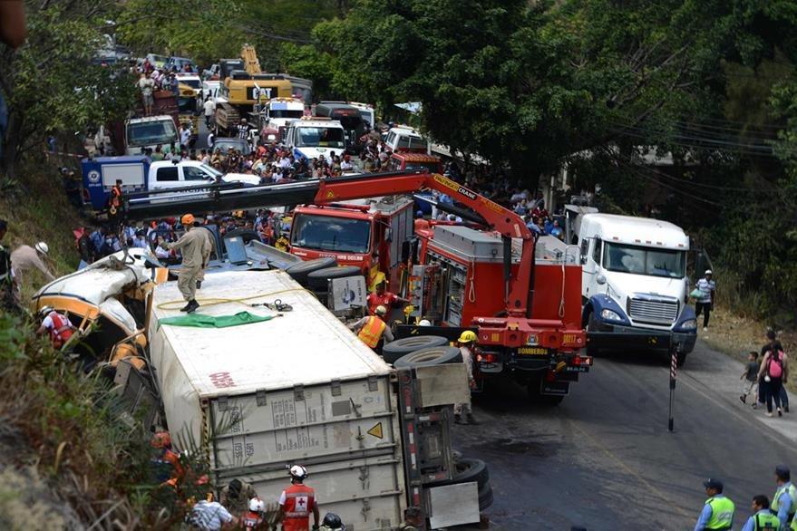 Vista general de trágico accidente. (Foto Prensa Libre: AFP)