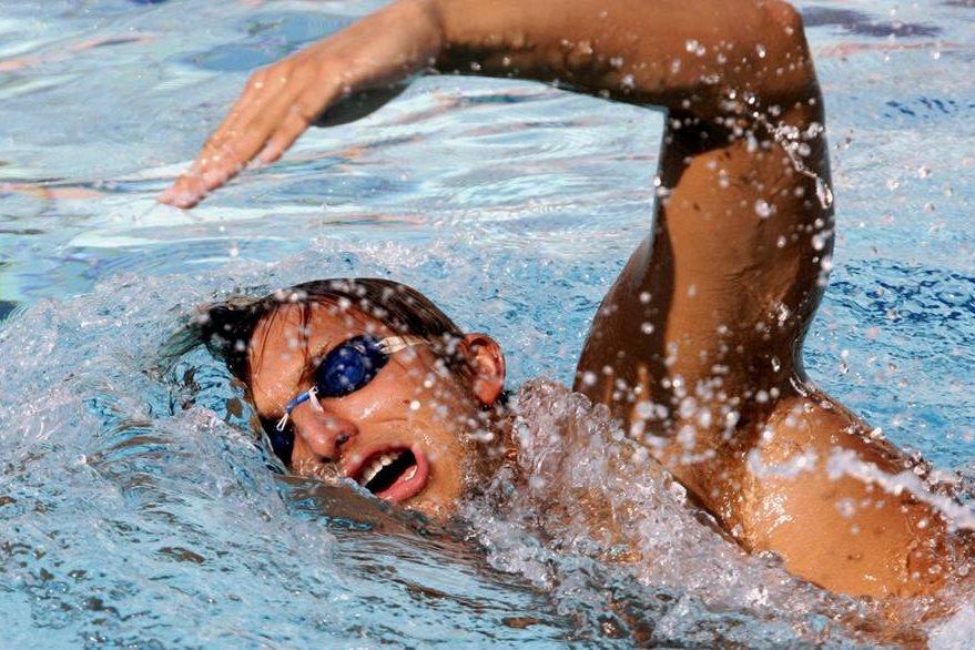 Thorpe practica antes de su participación en Atenas 2004. (Foto: AFP)