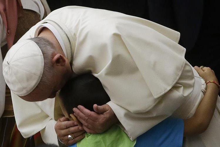 <em>El papa Francisco denunció este jueves las persecuciones <strong>&ldquo;</strong>inhumanas<strong>&rdquo; </strong>&nbsp;que padecen los cristianos de Oriente(Foto Prensa Libre: AP).</em>