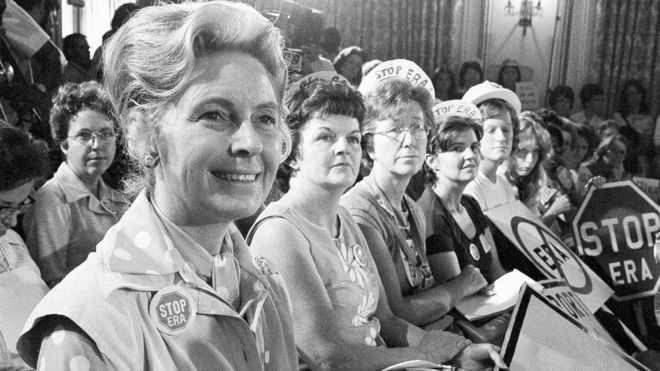 Phyllis Schlafly hizo campaña de forma incansable contra la Enmienda de la Igualdad de Derechos. AP