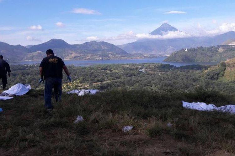Socorristas localizan restos de dos mujeres desmembradas. (Foto Prensa Libre: Cortesía)