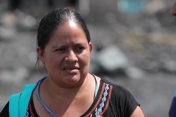 Loida Siquinajay es una de las sobrevivientes de la tragedia ocurrida el 3 de junio en San Miguel Los Lotes. (Foto Prensa Libre: Estuardo Paredes)