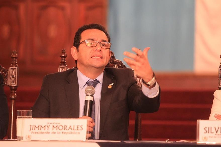 Jimmy Morales, presidente de la republica en su segunda conferencia de prensa ante los medios de comunicacion, en el Palacio Nacional de la Cultura. Fotografia Esbin Garcia