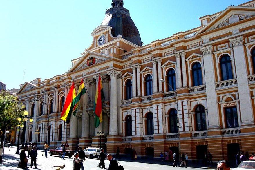 Parlamento de Bolivia, en La Paz. (Foto PL: upload.wikimedia.org)