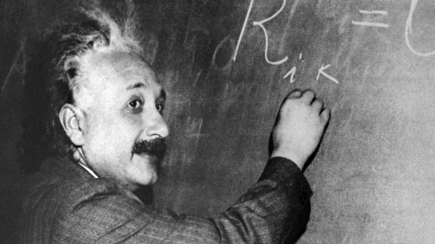 Esta es otra de las fotografías más conocidas del científico alemán. AFP