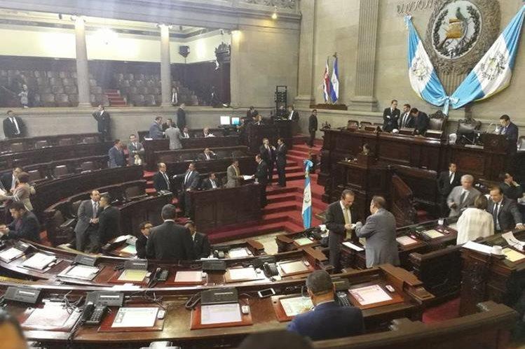 Sesión plenaria en el Congreso este martes. (Foto Prensa Libre: Esbin García).