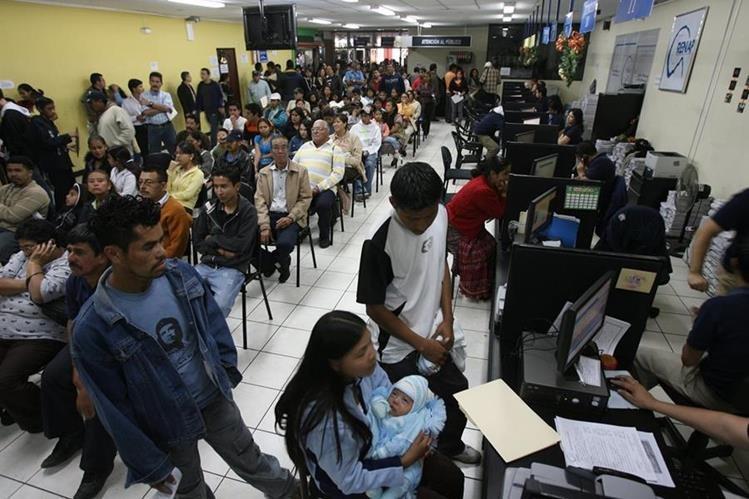 Los hombres que quieran reconocer a un hijo en el Renap pueden hacerlo a partir de este martes. (Foto Prensa Libre: Hemeroteca PL)