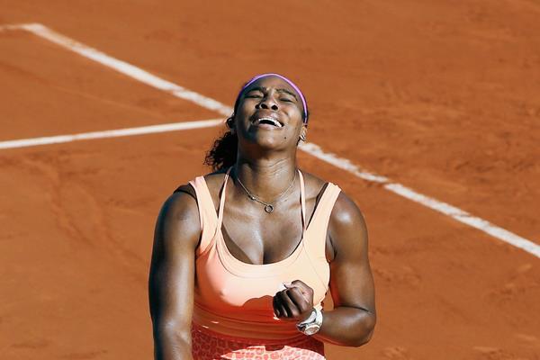Serena Williams tuvo que remontar para poder llegar a la final del Roland Garros. (Foto Prensa Libre: AP)