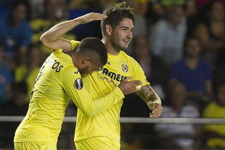 Alexandre Pato anotó un golazo este jueves en el estadio del Madrigal. (Foto Prensa Libre: EFE)