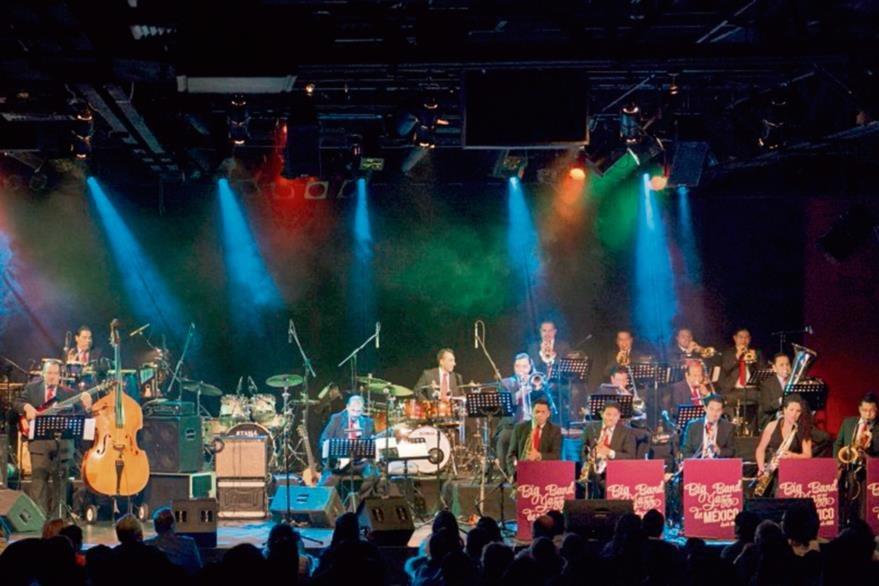 La Big  Band Jazz de México acompañará a Armando Manzanero en esta velada romántica.