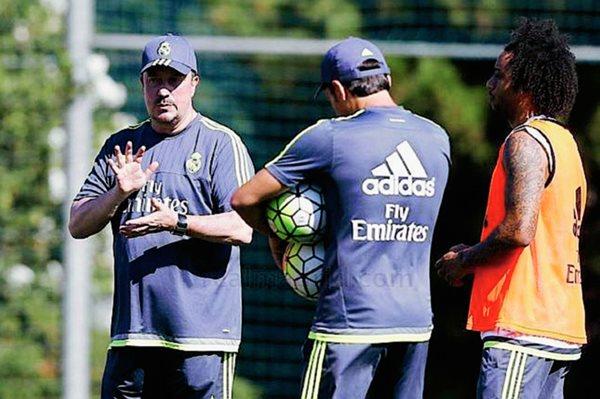 Rafa Benítez dirige el entrenamiento del Real Madrid. (Foto Prensa Libre: Cortesía Real Madrid)