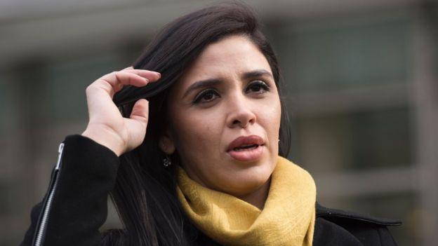 Los abogados de Guzmán afirman que en EE.UU. no le permiten tener contacto ni siquiera con su esposa Emma Coronel. GETTY IMAGES