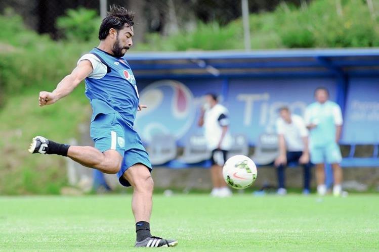 Carlos Ruiz se encuentra preparado para aportar a la Selección Nacional. (Foto Prensa Libre Francisco Sánchez)