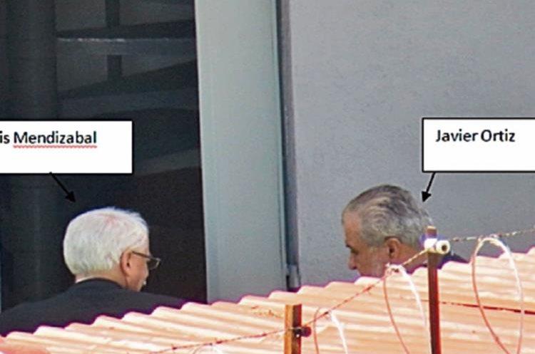 En otra  cita,  Javier Ortiz Arriaga llega a  la Boutique Emilio.