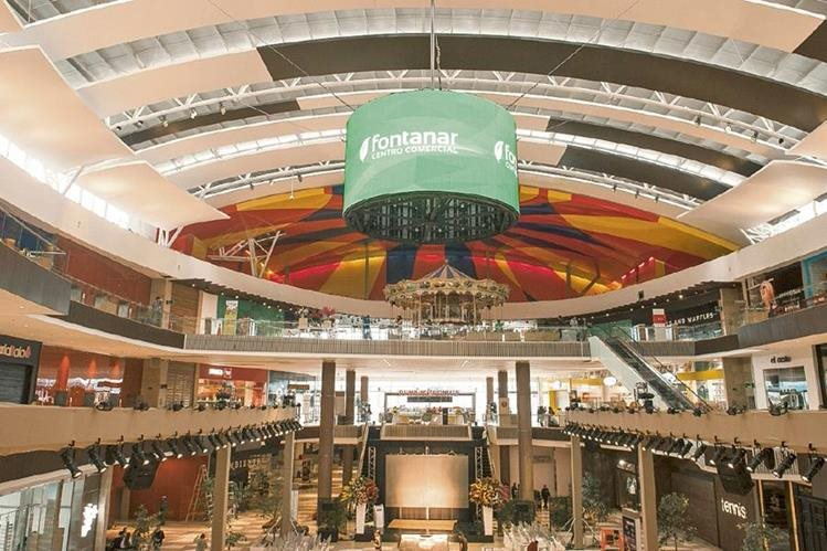 El centro comercial Fontanar, ubicado al norte Bogotá, Colombia, es la más reciente inversión de una empresa guatemalteca fuera del territorio nacional.