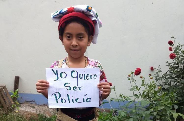 Yohana de San Sebastián Huehuetenango, anhela formar parte de las filas de la Policía Nacional Civil. (Foto Prensa Libre: Fred Rivera)
